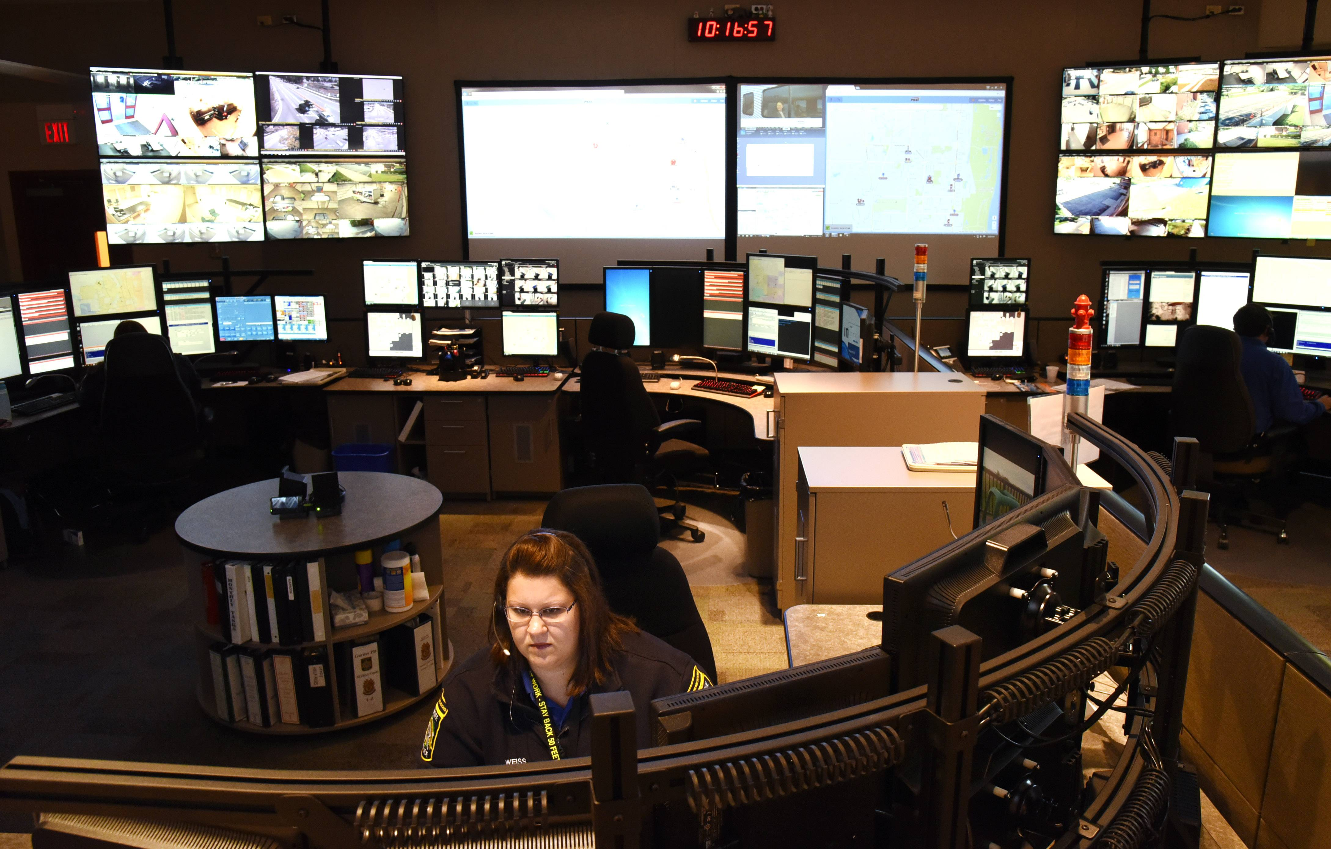 The dispatch center in the Gurnee Police Department recently began providing service to Beach Park and Zion. Since a state law in 2015 that said a 911 operation cannot serve fewer than 25,000 residents, Gurnee has actively been recruiting smaller towns in the area.